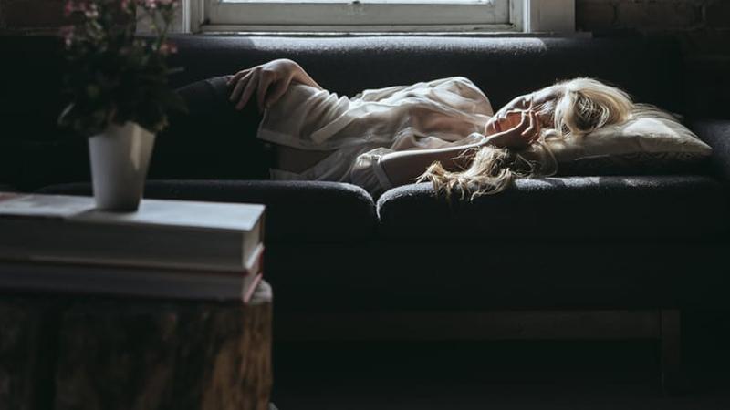 5 typów bólu głowy i najlepsze sposoby, by się go pozbyć. Dzięki szybkiemu rozpoznaniu i działaniu nie musisz się męczyć!