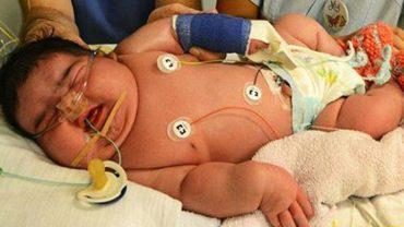 """Kolejne gigantyczne dziecko przyszło na świat! Zgadnijcie, ile waży ten """"maluch""""?"""
