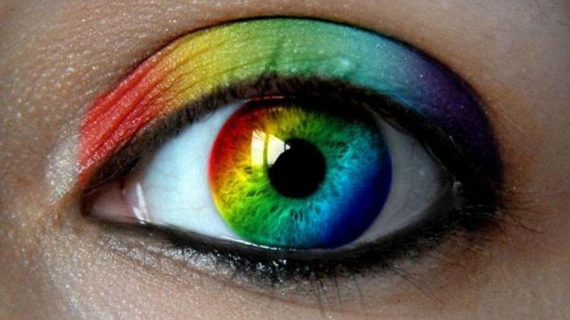 Kolory silnie wpływają na człowieka, dlatego ważne jest to, jakimi barwami lubimy się otaczać. Sprawdź, co twój ulubiony kolor mówi o Tobie