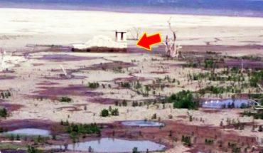 Gdy w tym jeziorze spadł poziom wody, oczom wszystkich ukazał się niebywały widok. Dron uchwycił to w całej okazałości!