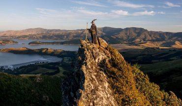 Jeśli jechać do Nowej Zelandii to tylko w stroju Gandalfa. Wtedy epickie zdjęcia będą wysypywać się z albumu