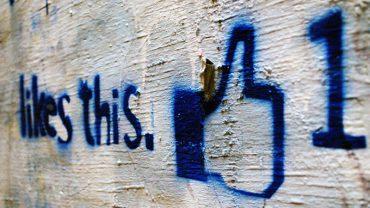 Uważasz, że lajkowanie postów to niewinna zabawa? Niestety to jedno z największych narzędzi Facebooka do manipulacji ludźmi