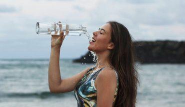 Wystarczy, że wszystkie napoje zamienisz na czystą wodę, a organizm od razu odwdzięczy ci się w niecodzienny sposób!