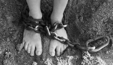 Niewolnictwo nie zniknęło i ma się dobrze. Każdy z nas jest obecnie niewolnikiem, chociaż nie chce się do tego przyznać!