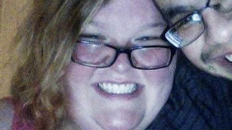 Mężczyzna wulgarnie obraził otyłą kobietę jedzącą lody! Jej odpowiedź na upokorzenie obejrzały tysiące osób