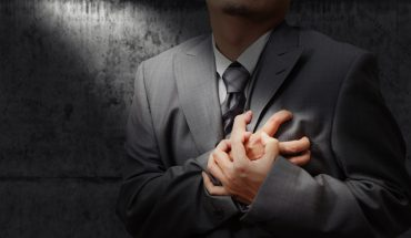6 oznak, które pokazują, że twój organizm sam ostrzega cię przed nadchodzącym atakiem serca. Nie bagatelizuj ich, bo możesz mieć poważne problemy!