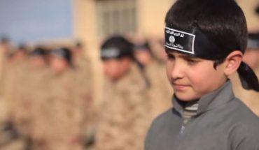 """Złapany przez ISIS, przez 30 miesięcy był szkolony na bojownika. 7-latek zdradza okrutne szczegóły """"treningu"""" Dżihadystów. To, co wyjawia, przechodzi ludzkie pojęcie!"""