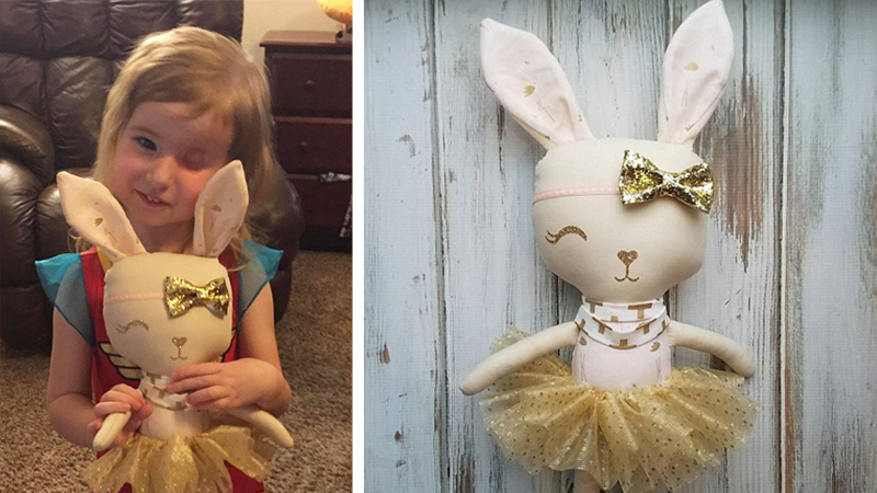 Złośliwy nowotwór odebrał tej dziewczynce oko. Teraz dostała od swoich bliskich tę wyjątkową lalkę!