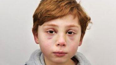Maltretowany chłopiec pokazał dzieciom swój rysunek. Kilka miesięcy później już nie wrócił do szkoły…