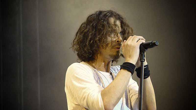 """Usunięto podkład w piosence """"Black Hole Sun"""", to pokazało jak miażdżący wokal miał Chris Cornell"""