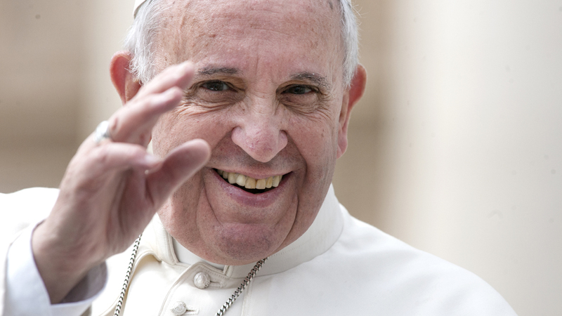 Papież Franciszek postanowił w niekonwencjonalny sposób pomóc bezdomnym z Watykanu. Dla ludzi z ulicy otworzył…bezpłatną pralnię. Dobry pomysł?