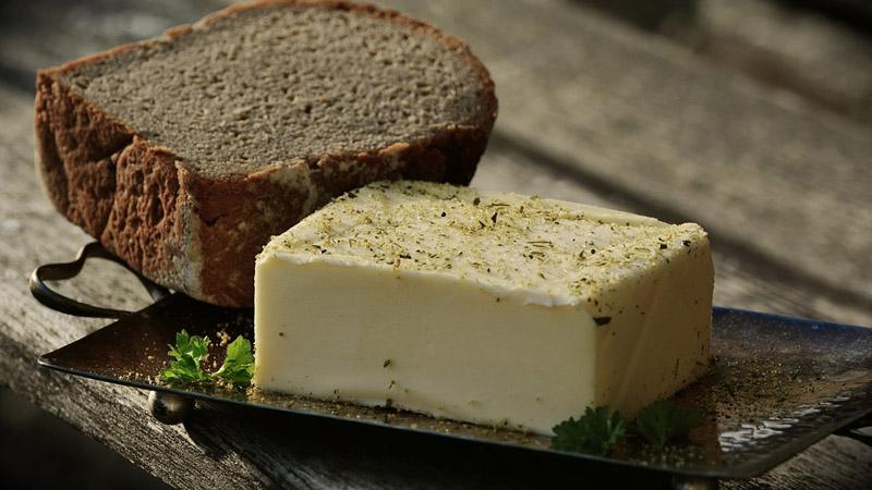 Koncerny produkujące margarynę zrobiły z masła zawodowego mordercę. Przekonaj się samemu, ile w tym prawdy