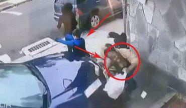 Wskoczyła przed pędzące auto, nie wahała się ani chwili, dopiero nagranie kamery pokazało, jak heroiczny to był czyn