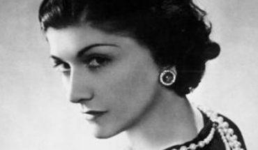 Coco Chanel miała nie tylko doskonały gust, ale też bystry umysł. Oto 16 cytatów projektantki, które pokazują, jakie miała spojrzenie na ludzi i świat