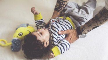 """""""Czy powinienem zrobić dziecku tatuaż?"""" – spytał na Reddicie jeden z ojców. Odpowiedzi użytkowników portalu na pewno was zaskoczą"""