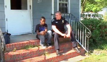Chłopak chciał uciec z domu, policjant mu to odradzał, ale gdy zobaczył, jak wygląda życie Simmona, zmienił zdanie