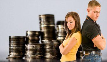 Większość małżeństw rozpada się nie przez zdrady, ale… kłótnie o pieniądze. Zobacz, co należy omówić z partnerem, by uniknąć w przyszłości konfliktów