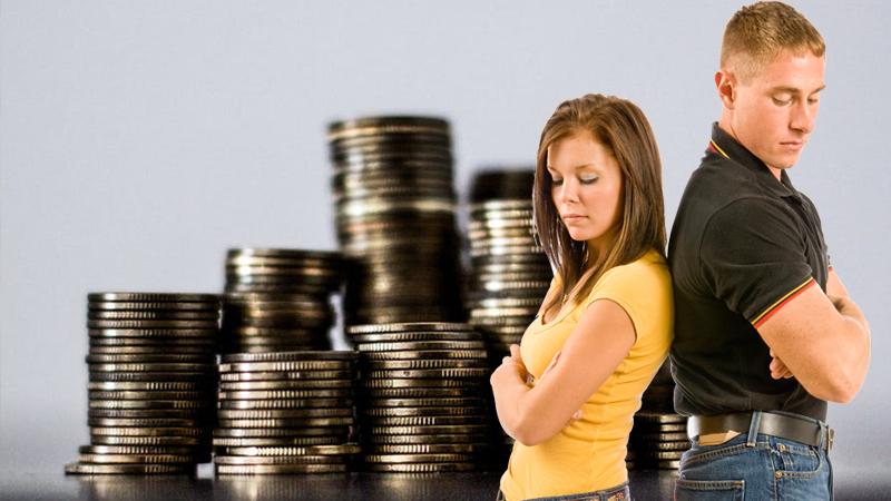Większość małżeństw rozpada się nie przez zdrady, ale... kłótnie o pieniądze. Zobacz, co należy omówić z partnerem, by uniknąć w przyszłości konfliktów