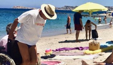 Ten staruszek przykuł uwagę całej plaży oraz pokazał wszystkim, że prawdziwa miłość nigdy się nie kończy i może pokonać każdą przeszkodę