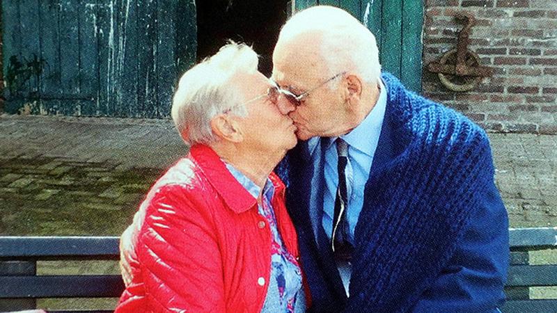 Zakochali się w sobie bez pamięci w środku II Wojny Światowej. Po 72 latach rozłąki spotkali się na nowo, a ich uczucie powróciło ze zdwojoną siłą!