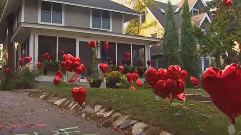 """W ogrodzie tej kobiety """"wyrosło"""" 101 balonów. Umieścili je tam sąsiedzi, by nauczyć ją jednej, ważnej lekcji..."""