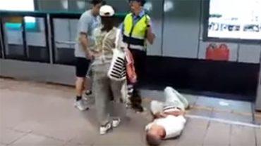 Wepchnęła ojca na tory, aby przejechało go metro! Powód, dla którego to zrobiła, odbiera mowę