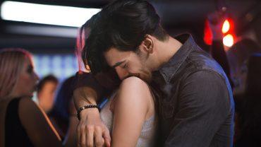 """9 sposobów na pokazanie miłości bez słów! """"Kocham"""" to nie tylko słowa, ale przede wszystkim czyny"""