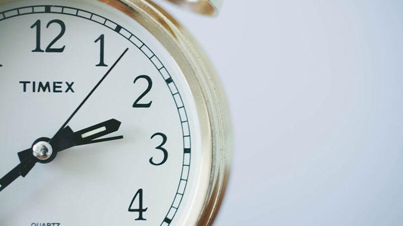 """Złota reguła """"20 minut"""", za pomocą której można zrealizować wszystkie cele. Zacznij zmiany w swoim życiu od małych kroków"""