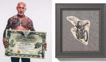 Charles tak kocha tatuaże, że opracował metodę ich wycinania i przechowywania po śmierci właściciela! Chcielibyście mieć taką pamiątkę po bliskim zmarłym?
