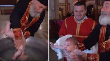 Tak wygląda chrzest po rumuńsku! Internauci nie mogą uwierzyć, że rodzice tych dzieci godzą się na tak brutalne praktyki