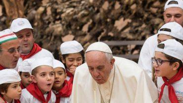 Papież Franciszek świętował 81 urodziny nietuzinkowym tortem. Padniecie, gdy zobaczycie ten wypiek