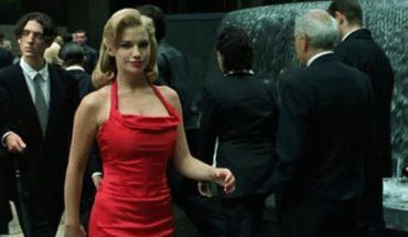 Pamiętacie kobietę w czerwonej sukience z filmu Matrix? Choć na ekranie pojawiła się przez parę sekund, to jej postać miała ogromne znaczenie