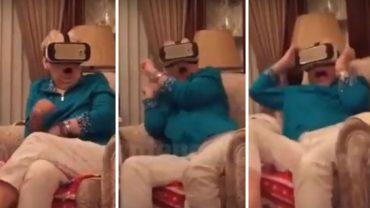 Wnuczek namawia babcię, by założyłaokulary wirtualnej rzeczywistości. Niewinna zabawa o mało nie przyprawia seniorkę o zawał