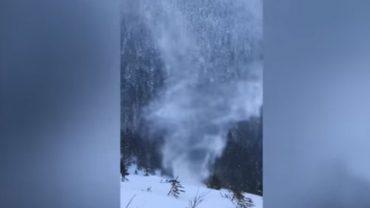 """Polscy turyści sfilmowali jedno z najrzadszych zjawisk pogodowych na świecie! Zobaczcie, jak wygląda""""snownado"""", czy śnieżne tornado"""