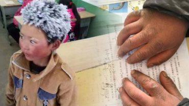 8-letni Wanga tak bardzo chce się uczyć, że nie zważając na pogodę codziennie idzie do szkoły 4,5 kilometra! Nie straszny mu nawet siarczysty mróz!