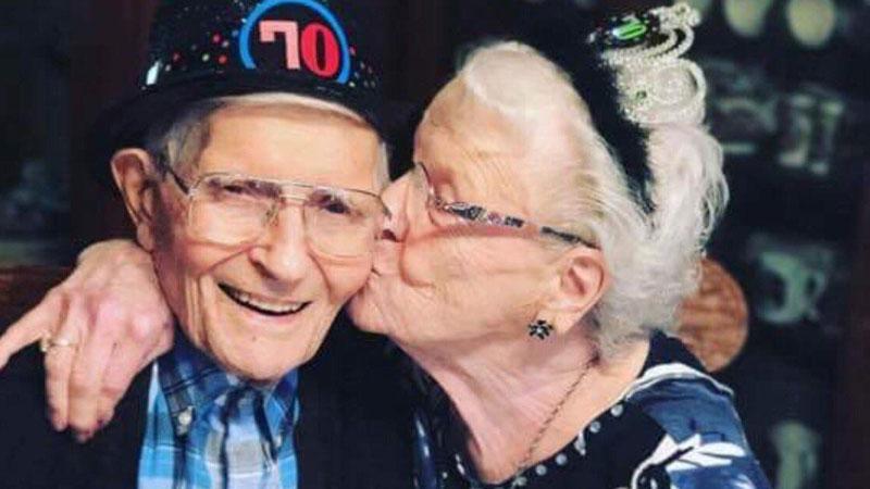 Prawdziwa miłość jest wieczna. By o tym się przekonać, wystarczy spojrzeć na fotografie tych leciwych par, które spędziły ze sobą kilka dziesięcioleci