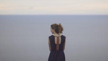 5 natrętnych myśli, które zatruwają Ci życie. Kiedy się ich pozbędziesz, odnajdziesz upragniony spokój ducha