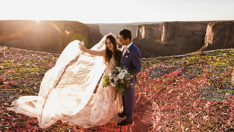 By mieć wspaniały ślub nie potrzeba milionów i fajerwerków na niebie. Czasami wystarczy hobby, np. takie jakie mają oni