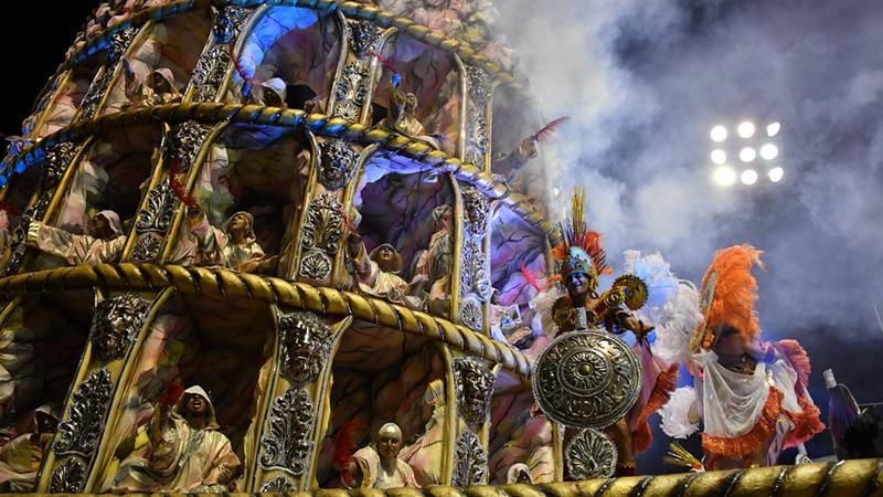 Żadne słowa nie oddadzą tego, jak barwny jest karnawał w Rio. Obejrzyj zdjęcia z najhuczniejszej imprezy świata i choć na chwilę przenieś się do Brazylii