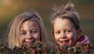 Lipcowe dzieci to szczęściarze jakich mało! Poznaj 7 ciekawych zalet urodzonych w tym gorącym miesiącu ludzi