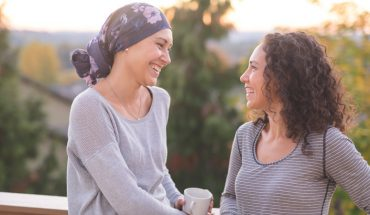 Jak pomóc choremu bliskiemu? Lista rzeczy, które możecie zrobić już teraz. Najważniejszy punkt 5!