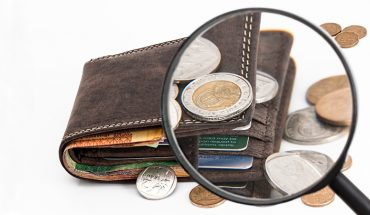 10 błędów, przez które nigdy nie dorobisz się dużych pieniędzy. Wyeliminuj je, a twoje zarobki wzrosną