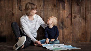 Doświadczona matka podpowiada, jak uniknąć rodzicielskich błędów. Jej wskazówki pomogą wychować dziecko na dobrego człowieka