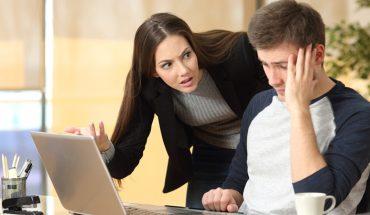 7 zdań, które zepsują twoją relację z szefem. Naucz się rozmawiać, by osiągnąć to, czego chcesz