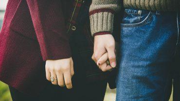 Psycholog opracował wzór miłości! Według niego z 3 składników powstaje 7 typów miłości, które wiążą pary w związki