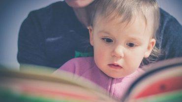 7 powodów dlaczego warto jak najwcześniej zacząć czytać dziecku