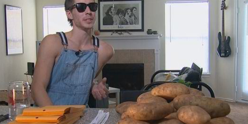 Śmieją się, że jest idiotą! A on zarabia miesięcznie 10 000 $ tylko na ziemniakach. Jakiś obłęd