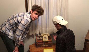 Nastolatkowie dostali telefon tarczowy i 4 minuty na wybranie numeru. Zobacz jak im poszło