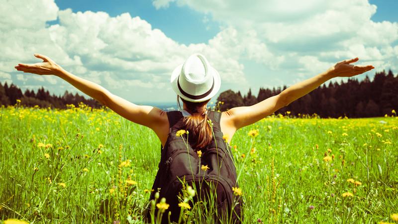 Inteligentni ludzie wolą żyć w samotności! Badania naukowców stanowczo temu dowodzą