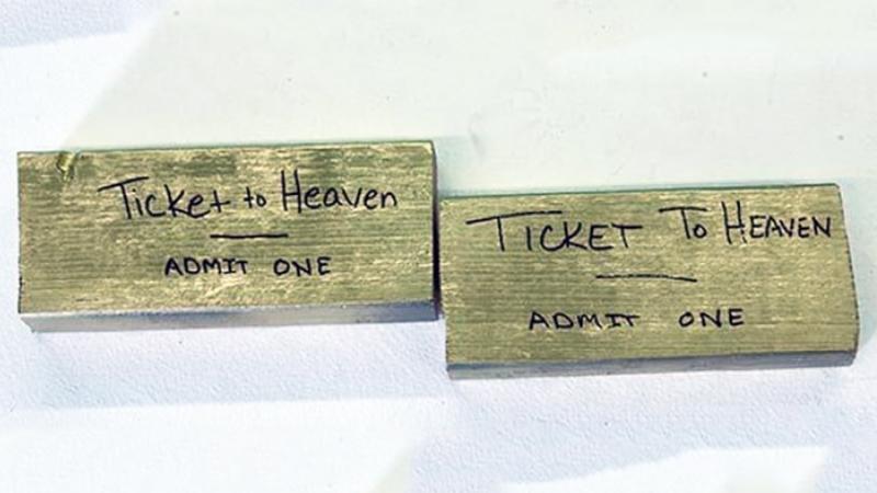 Duchowny sprzedaje złote bilety do Nieba po 2 tysiące złotych! Chętnych nie brakuje